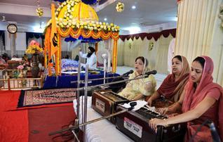 Gurudwara Clothing