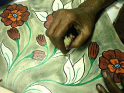 Design in the making on a Shantiniketan bag. (Source: arperabags))