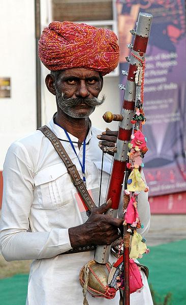 Rajasthani Folk Musician Wearing Pagdi (Source: wikimedia)