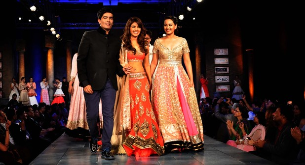 Manish Malhotra The Talented Fashion Designer From India Utsavpedia