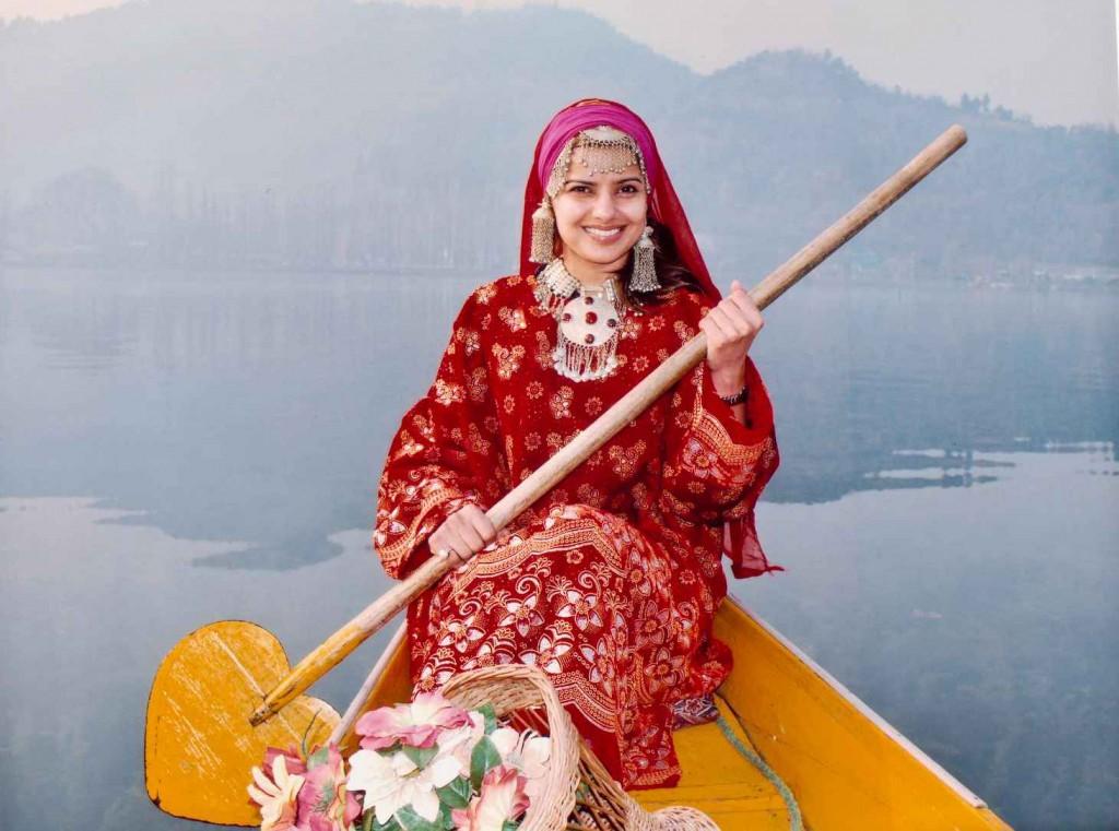 Woman wearing Pheran