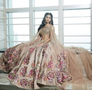 Lehenga By Neeta Lulla (Source: Pinterest)