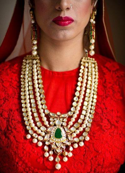 Bridal Kundan Neckpiece (Image: http://www.maharaniweddings.com)