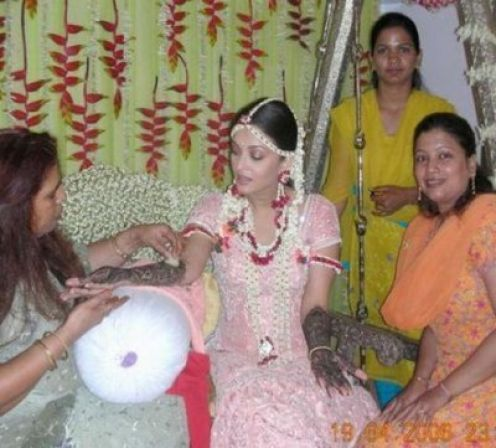 Aishwarya Rai During Mehendi Ceremony