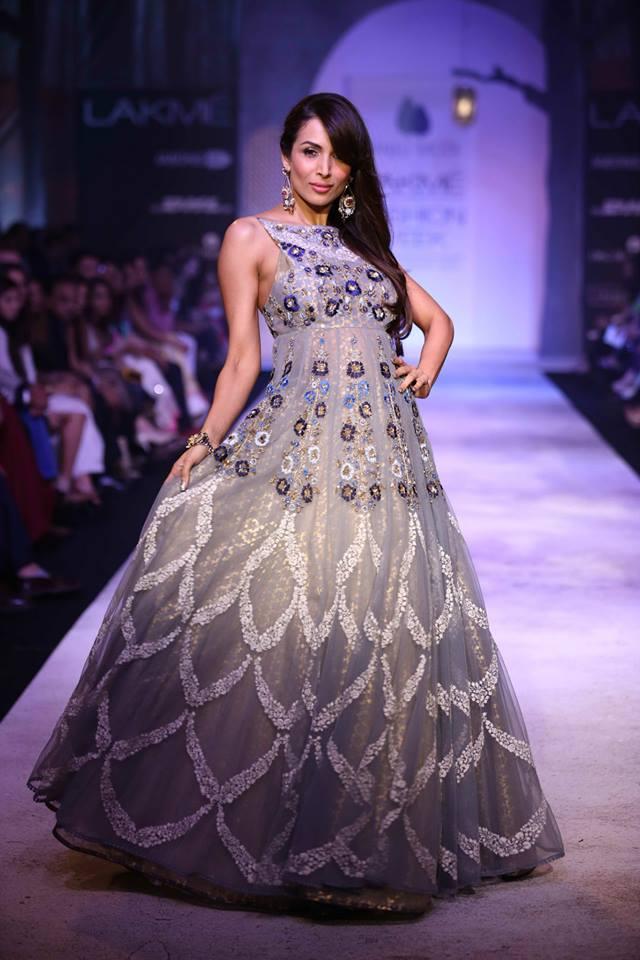 Malaika Arora in Anju Modi's Design (Image Courtesy: Rediff)