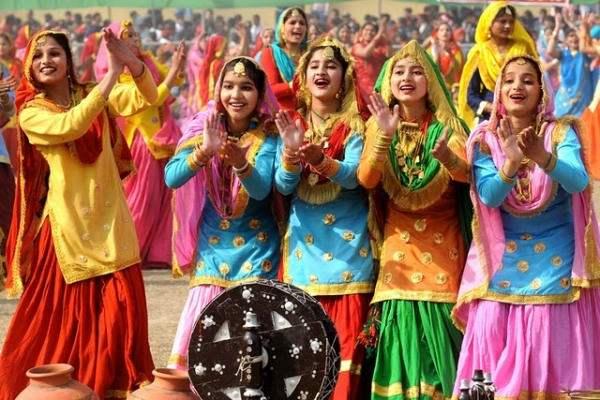 Teej in Punjab (Image: photobucket.comalbumsee)