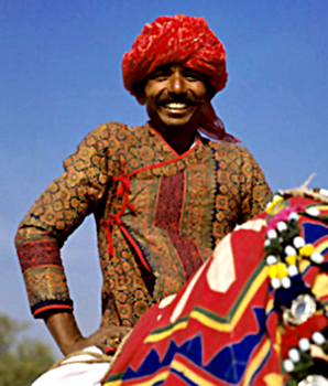 A Rajasthani man in a Bagalbandi style top (Image: www.indianetzone.com)