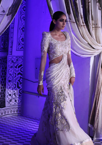 Saree Gown by Gaurav Gupta (Image: http://www.dlf.in/)